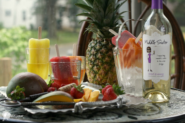 Easy Summer Celebrating Idea: Fruity Popsicles in Moscato