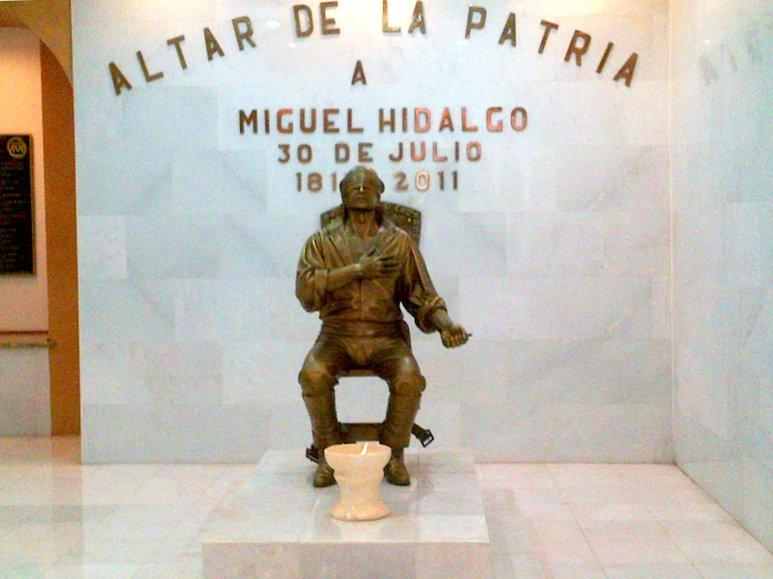 Cabezas De Aguila Miguel Hidalgo Y Costilla Sus Monumentos 19
