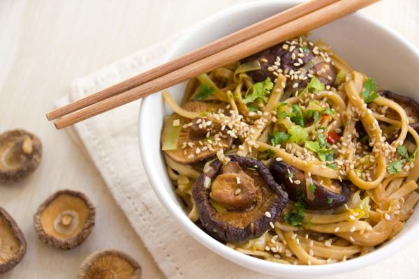 Yaki Udon con Shiitake y Verduras