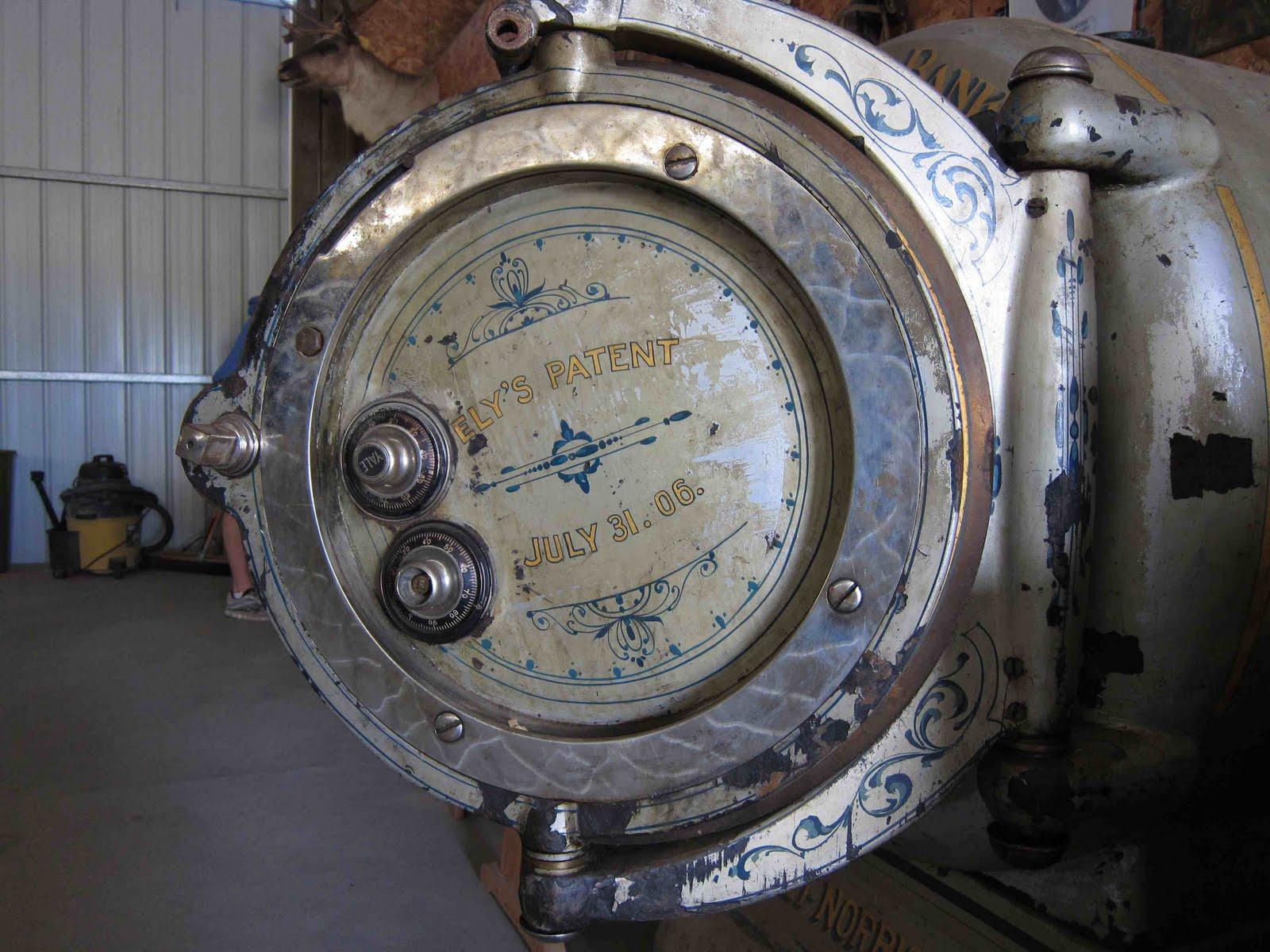 Antique Safes and Vaults: 2011
