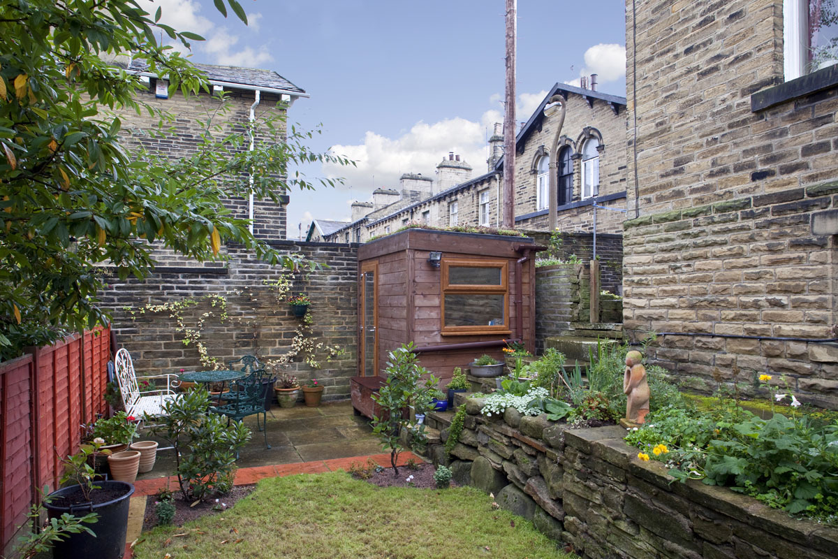 Shedworking small garden office in saltaire for Oeco garden office