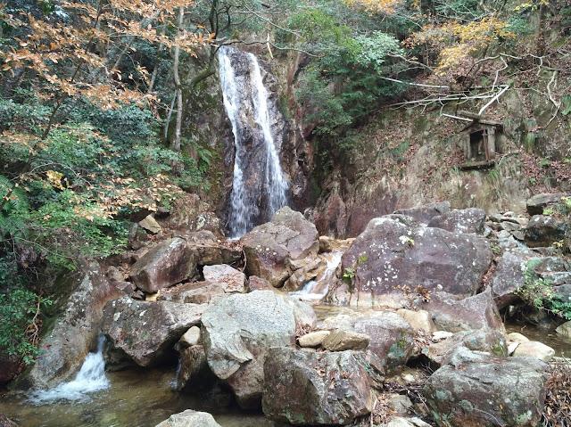 Biking&Hiking in Shiga Kansai | Yobaino Falls