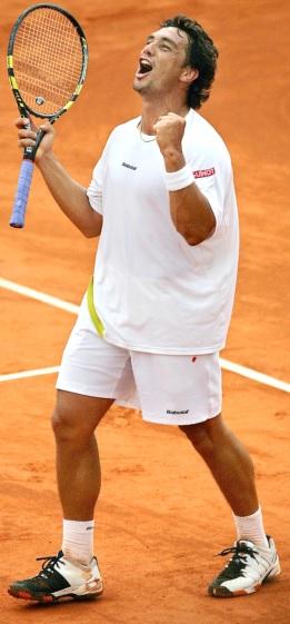 Foto de Mariano Puerta con su raqueta de tenis