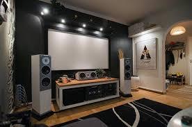 audio untuk ruangan kecil di rumah minimalis