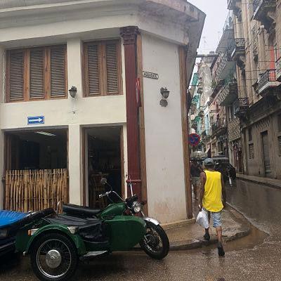 La Habana Vieja. Calle Aguacata