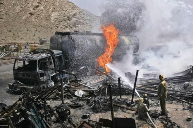 Tragedi letupan sebuah tanker minyak di Pakistan