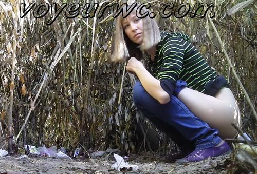 PissHunters 9588-9603 (Spy Girls Peeing Outdoor)
