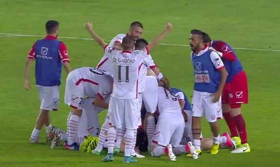 Play off serie B - Frosinone Carpi 0-1 HIGHLIGHTS. Letizia porta i biancorossi in finale in nove uomini