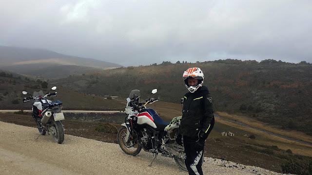 BMW F800GS:Trail Forever. Haciendo amigos por la Tejera Negra.