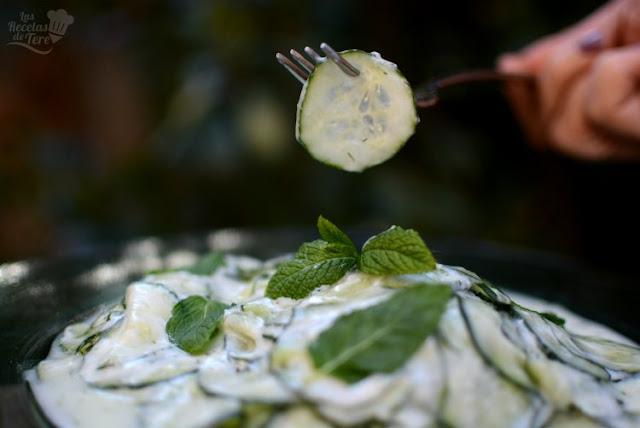 Ensalada-de-pepinos-yogur-02