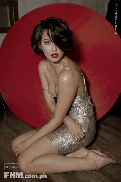 Julz Savard  sexy dress