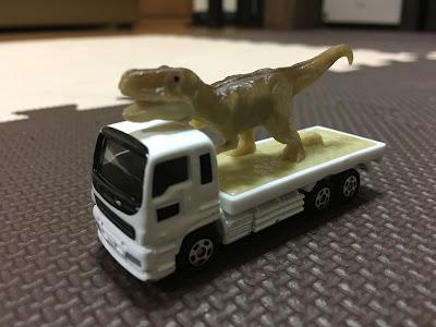 トミカ 恐竜カー