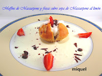 Muffins de mascarpone y fresas sobre Sopa de mascarpone al limón