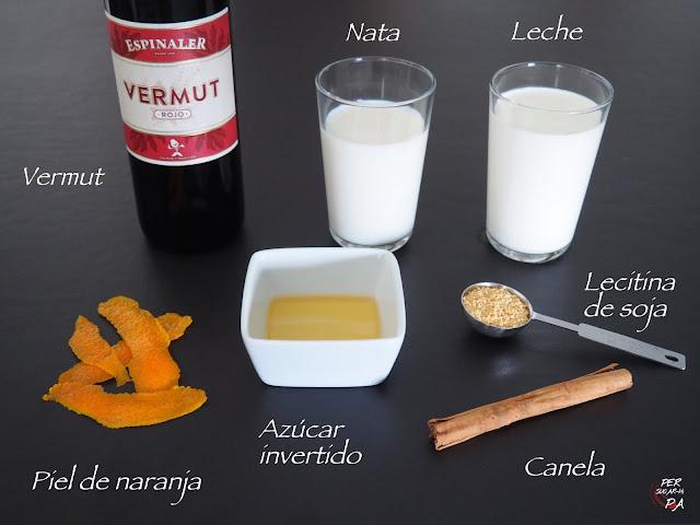 Cremoso helado de vermut rojo aromatizado con naranja y canela