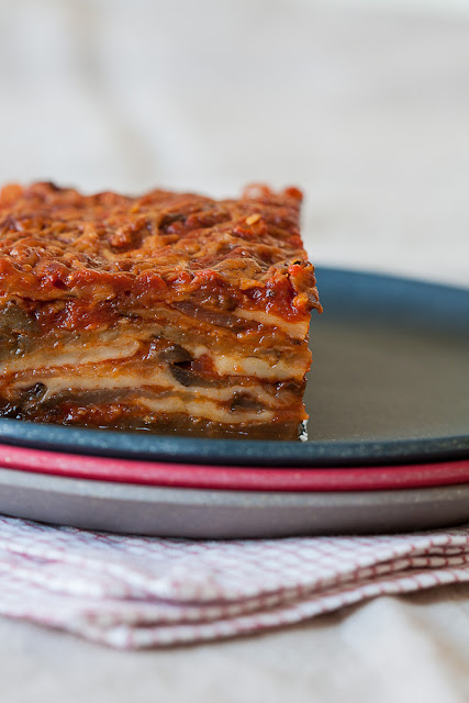 Složenac od grilovanog patlidžana, paradajza i sira