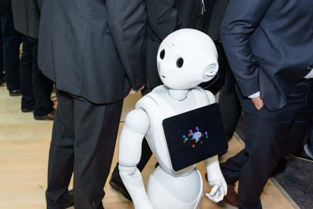 SAUDI NEW CITY NEOM IS WITH ROAMING ROBOTS