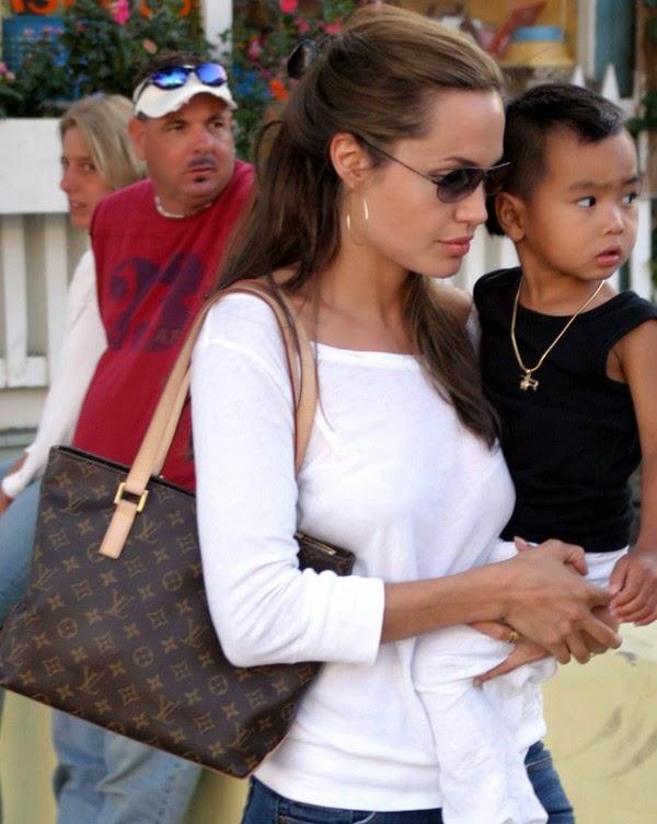Cô sở những chiếc túi Tote của Louis Vuitton với nhiều kiểu dáng khác nhau, từ Louis VuittonCabas Piano Tote..