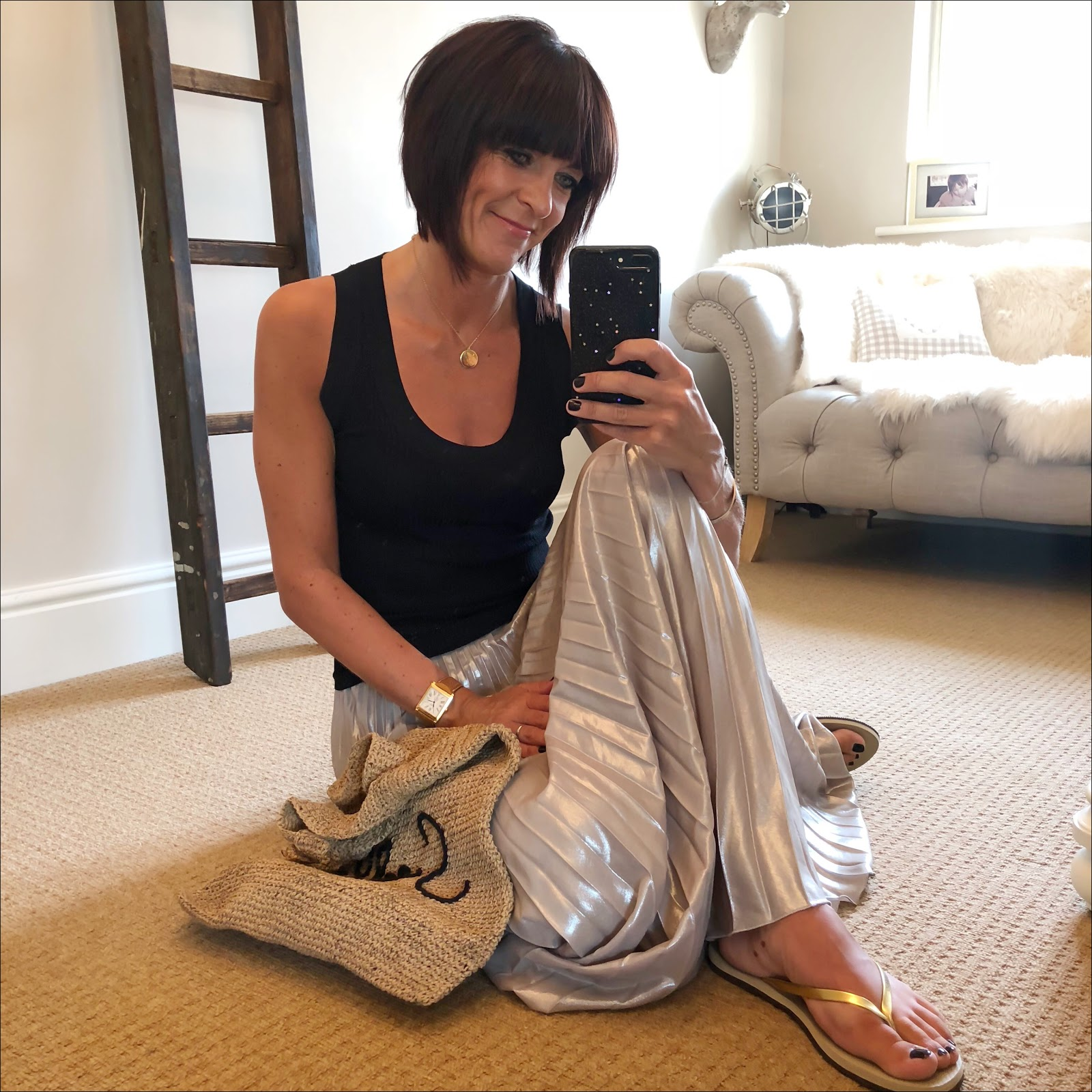 my midlife fashion, harry rocks initial pendant, zara minimal collection knit top, havaiana gold flip flops, jenny packham gold pleated maxi skirt, zara raffia slogan bag
