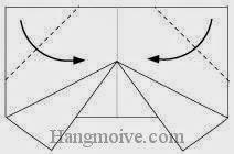 Bước 5: Gấp chéo hai góc của lớp giấy thứ hai vào trong