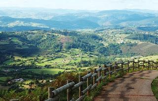 Camino hacia Gallegos, vista desde la ruta