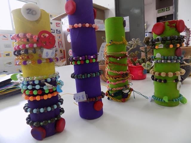 Producciones del Centro de Día en el paseo de artesanos