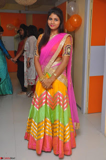Lucky Sree in dasling Pink Saree and Orange Choli DSC 0322 1600x1063.JPG
