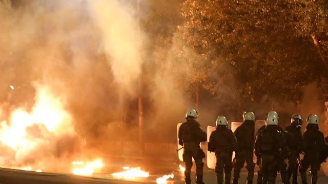 Επεισόδια και 19 συλλήψεις στη επέτειο του Πολυτεχνείου (βίντεο)