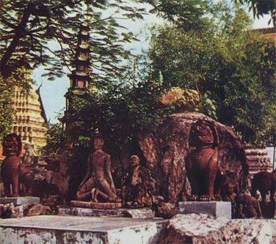Foto Kuil budha di bangkok disebut Wat