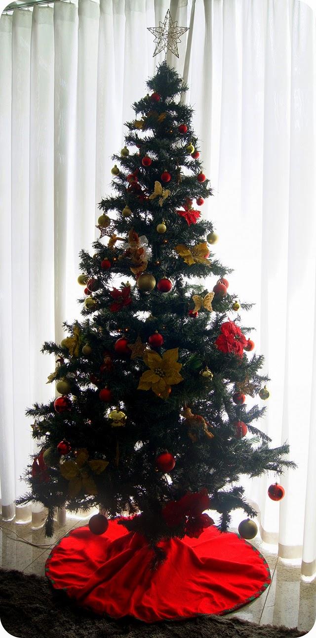 Decoração Natalina Árvore de Natal Vermelha Dourada