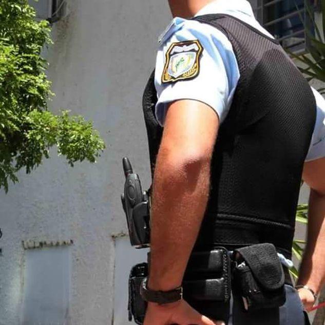 ΜΠΡΑΒΟ ΤΟΥ! Αστυνομικός βρήκε πορτοφόλι με 2.000 ευρώ στη Κρήτη και το παρέδωσε.