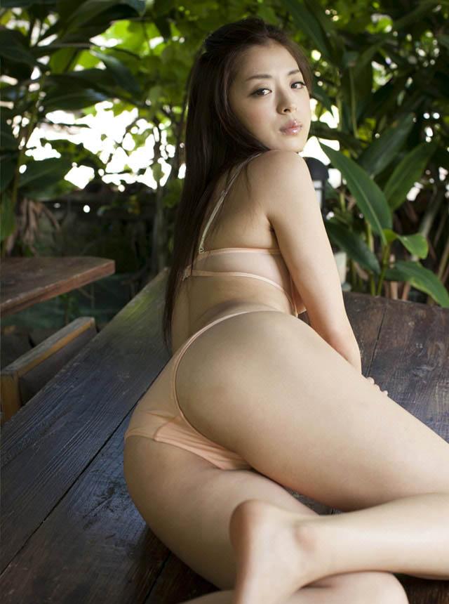 eri wada bikini photos