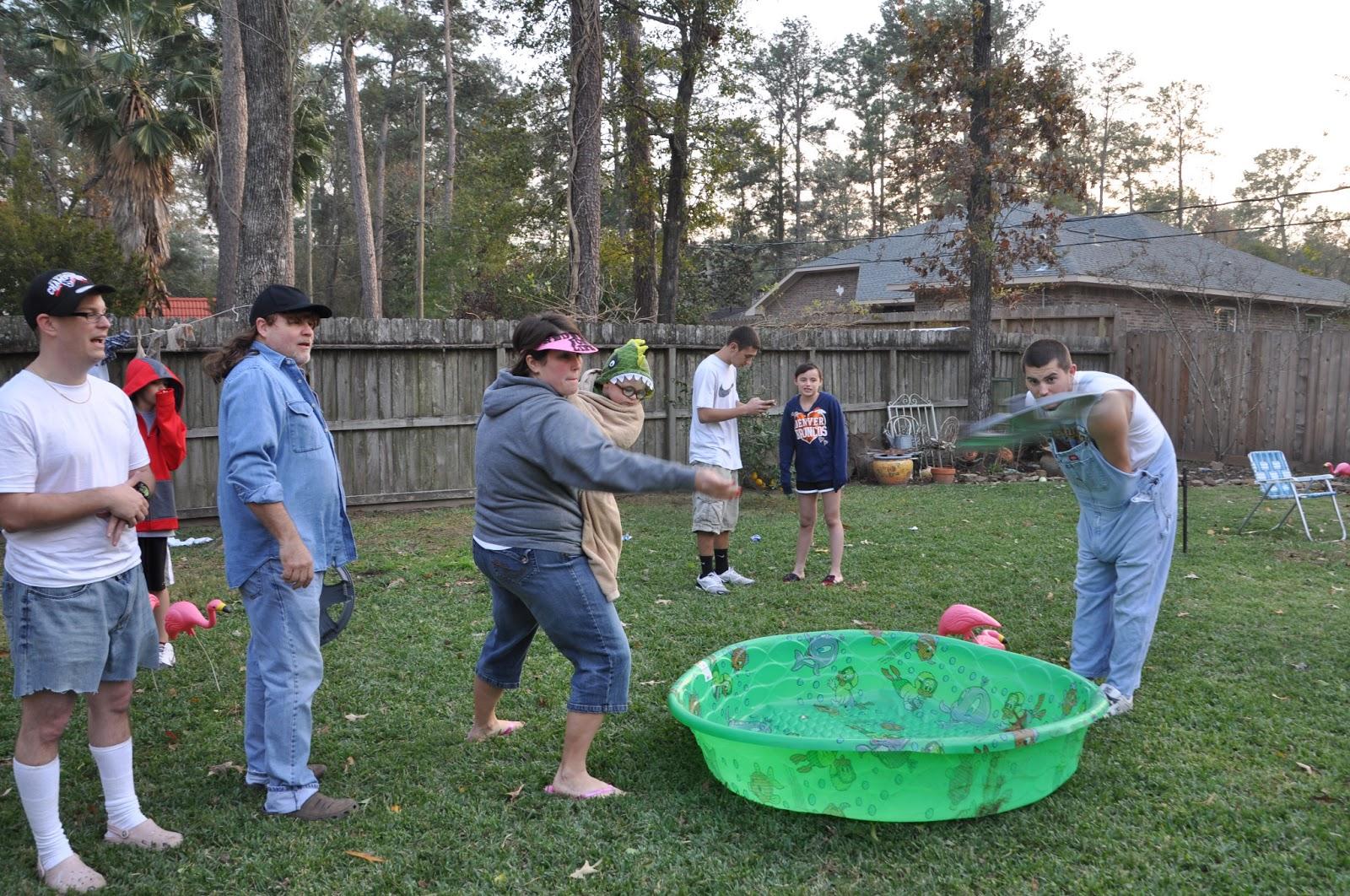 Horseshoes Backyard Games