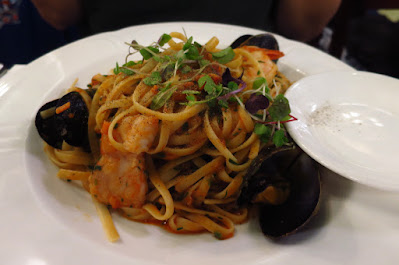 Melbourne, Hopetoun Tea Rooms, seafood linguine