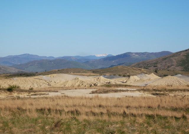 Rumuńskie wulkany błotne są podzielone na 3 części - tu drugi z nich