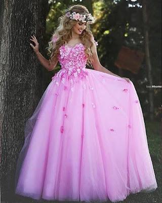 Vestidos de XV estilo princesa modernos que estan de moda