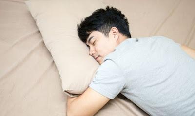Ingin Tidur Nyenyak di Malam Hari Mulailah Membaca Buku