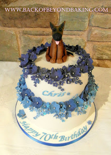 shades of blue flowers cake