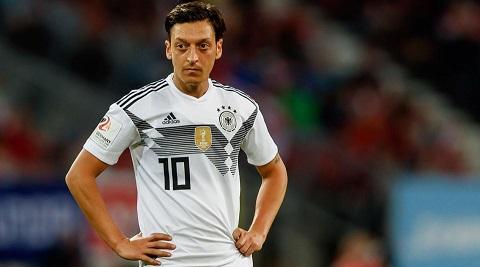 Tiền vệ Mesut Oezil (Đức).