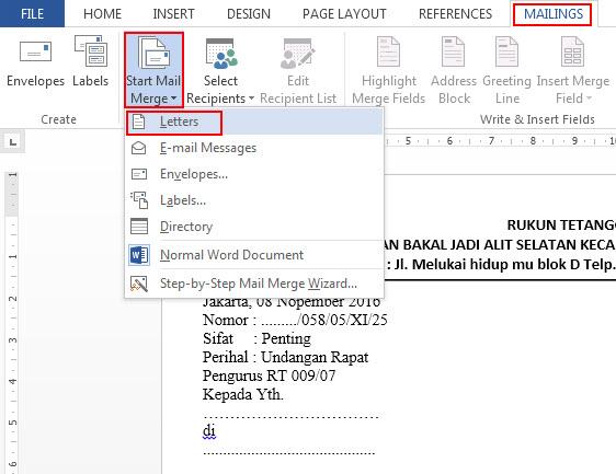 menggunakan mail merge word