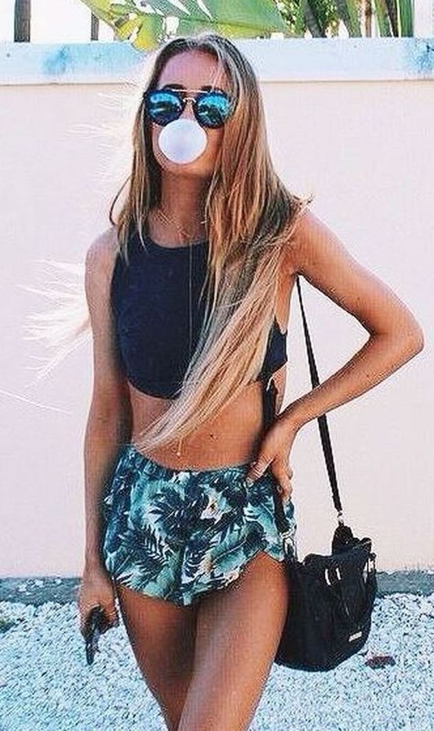 10 Outfit Essentials You Need For Summer Break