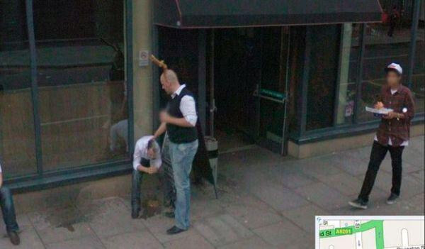 18 Hilariously Weird Moments Captured On Google Street View - Am I the only one who cares about the pizza guy in the photo