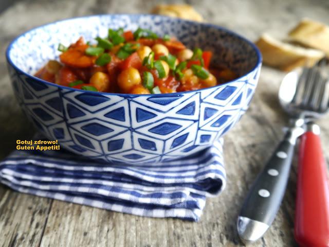 Ciecierzyca z pomidorami i chorizo - Czytaj więcej »