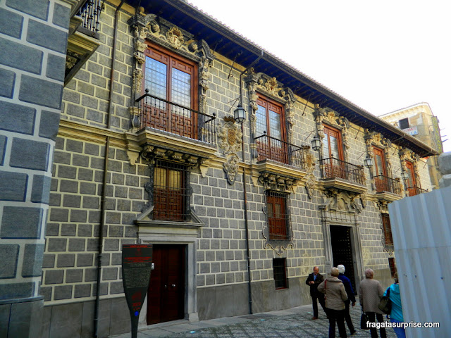 Palácio La Madraza, sede da primeira Universidade de Granada, Andaluzia, Espanha