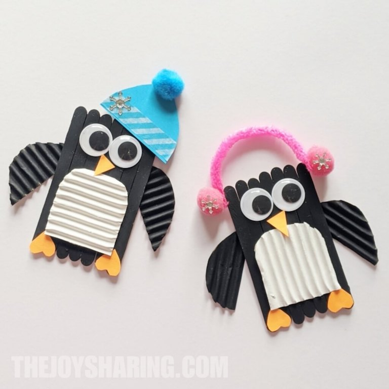 Step-by-step instructions to make a penguin craft.
