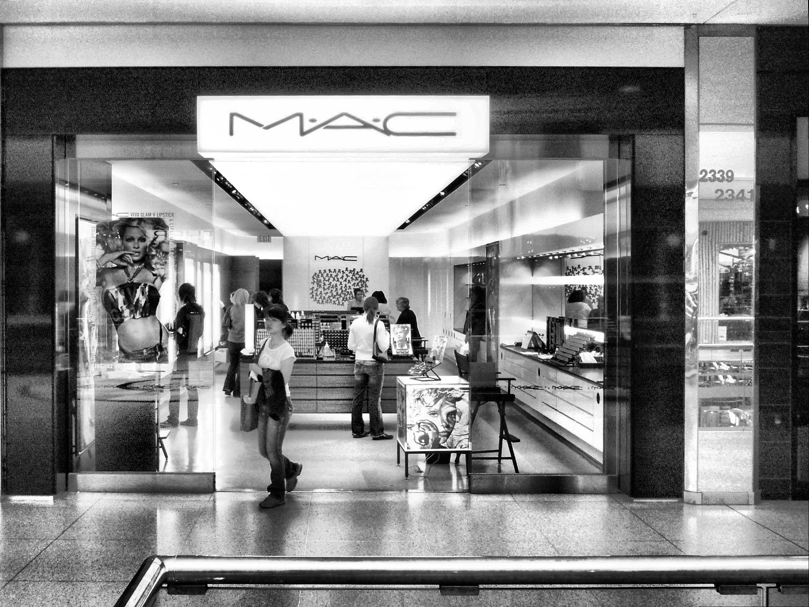 The Honest Type: MAC Coming To Aberdeen: My Favourite Products