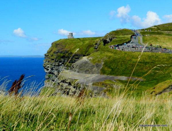 Torre O'Brien, nos Cliffs of Moher, Irlanda