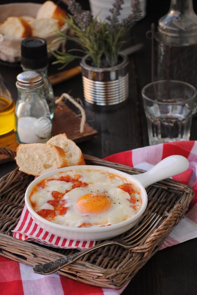 Cocinando con neus huevos con mozzarella y salsa de tomate for Cocinando 1000 huevos