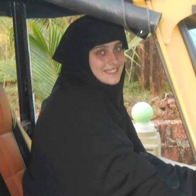 ابنة برلماني إيطالي تعتنق الإسلام وتختار اسم عائشة شاهد ردة فعل والدها عندما علم بذلك