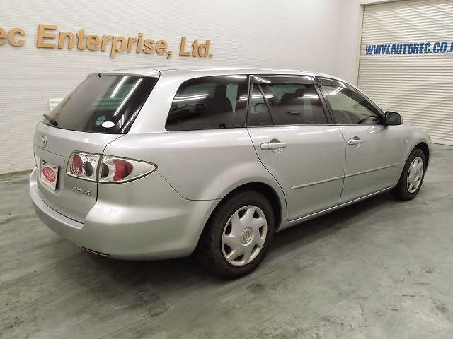 19572a8n6 2003 Mazda Atenza Sports Wagon For Zimbabwe To Beitbridge