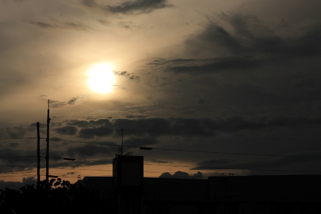 sunset @ Davao City - photo by nephithyrion
